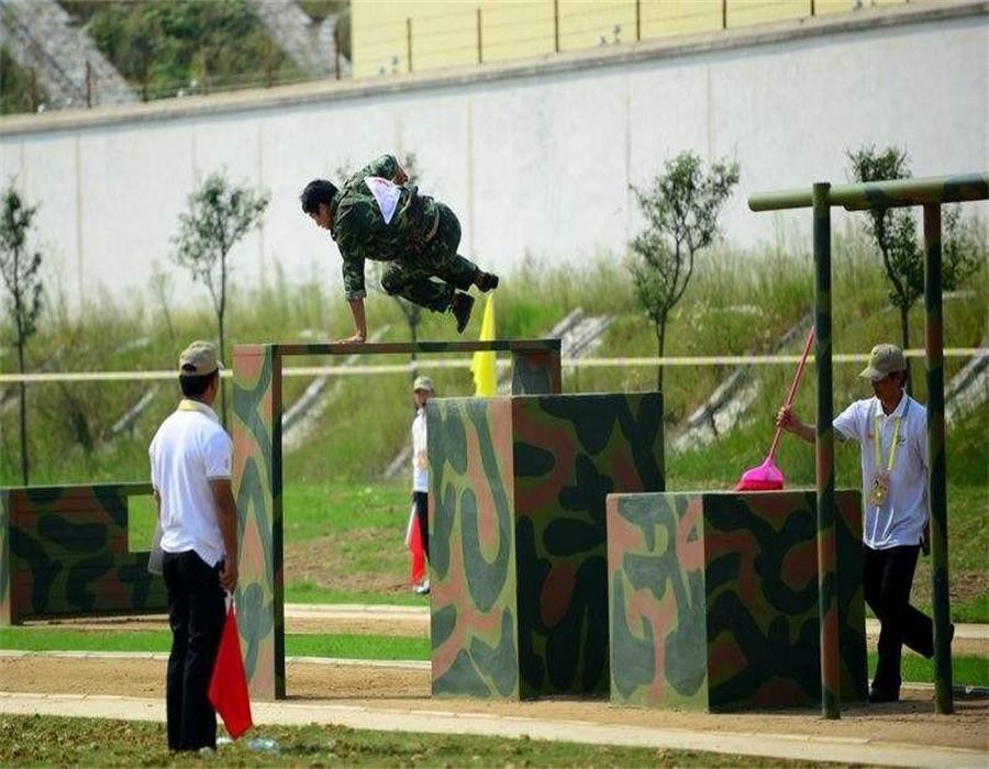 400米障碍器材训练如何进行防护.jpg